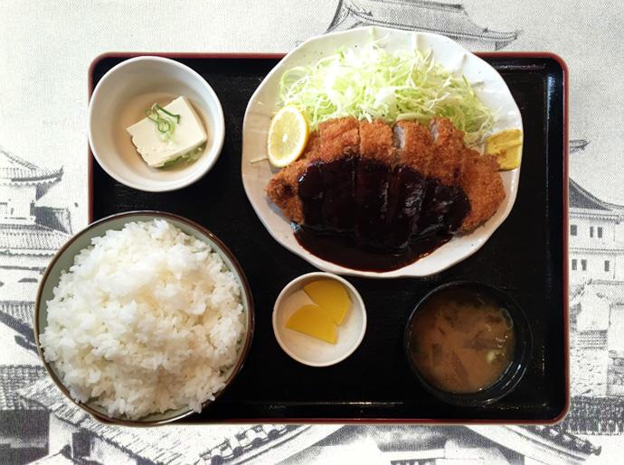 名古屋といえば味噌カツ。